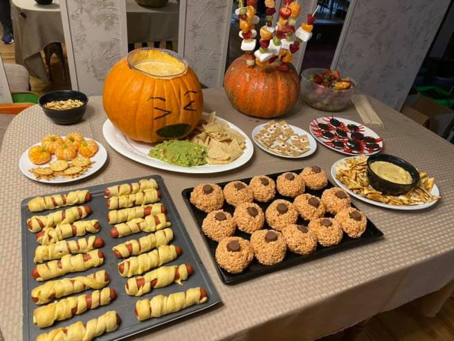 Halloween2020-SnackTable